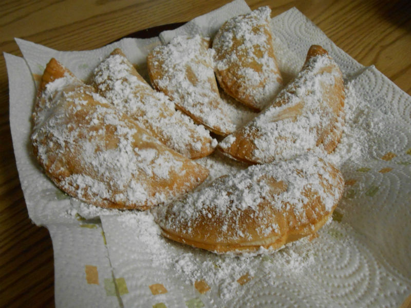 All done and sprinkled with powdered sugar