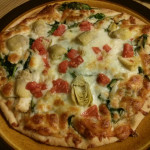 Pollo e Formaggio Pizza (Chicken Spinach and Cheese Pizza)