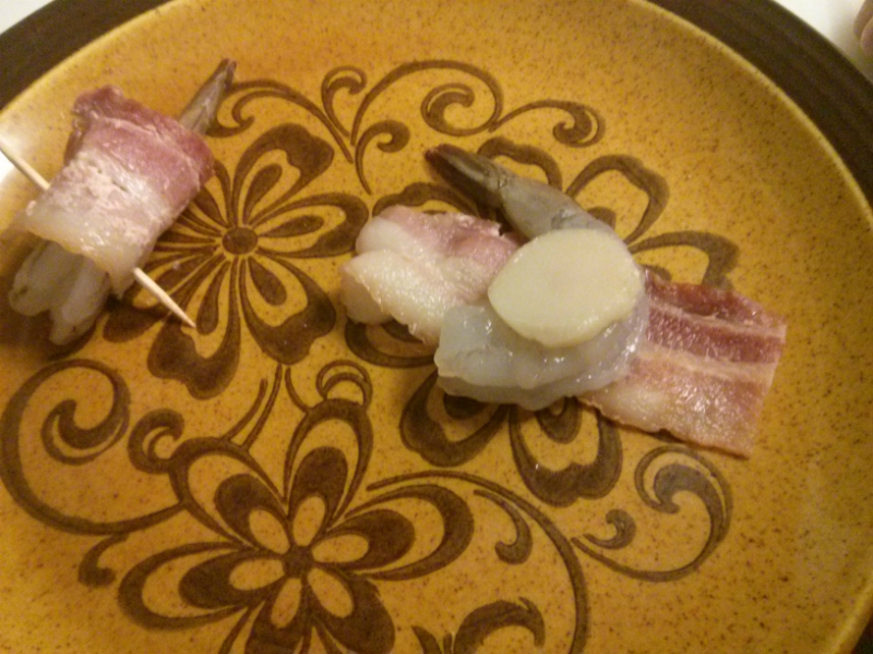 Add shrimp, sliced water chestnut and wrap